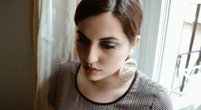 Maquiagem anos 60: dicas e tutoriais para você arrasar