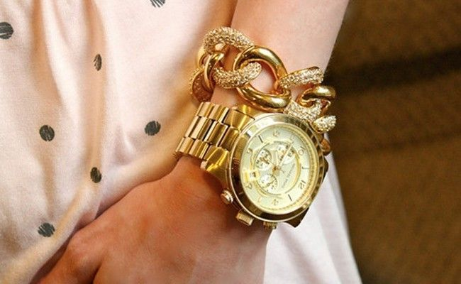Girl watches gold