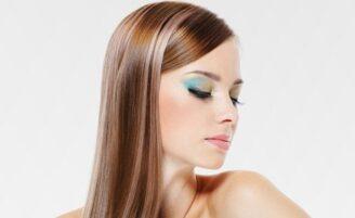 Escova inteligente: cabelos lisos com aspecto natural