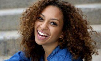 Cortes para cabelos cacheados: as melhores dicas para dar forma aos seus cachos
