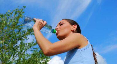 Como a água pode ajudar na perda de peso