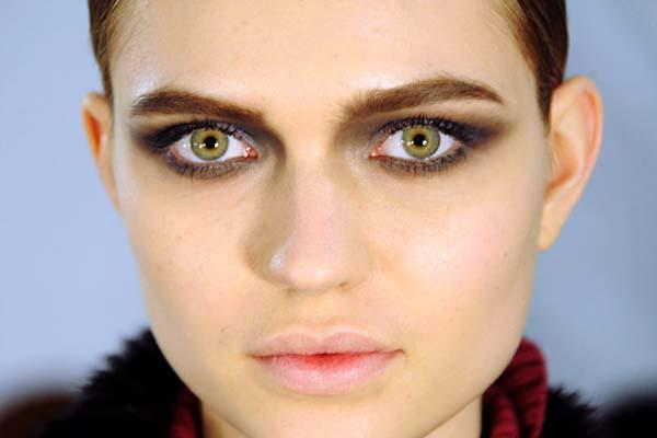 como fazer olhos esfumados Como fazer olho esfumado