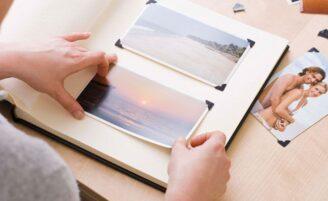 Como guardar álbuns e fotos