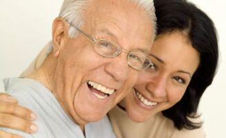 Parceiro mais velho é melhor para a mulher?