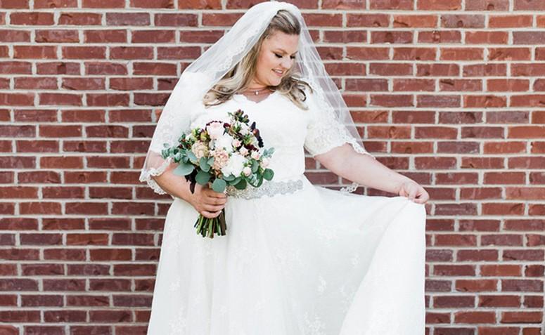 26d5a197c2 Vestido de noiva plus size  65 fotos para você escolher o modelo perfeito