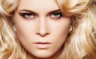 Maquiagem para a noite: 3 opções de looks para baladas e festas