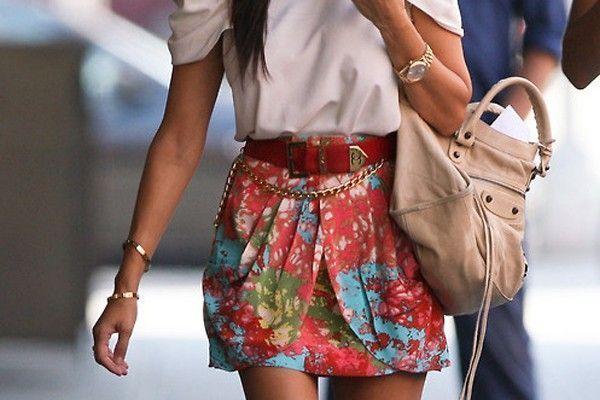 saia cintura alta Na moda da saia de cintura alta