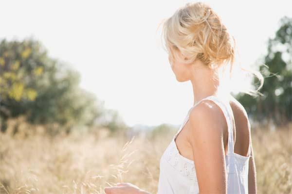 romanticas ate nos cabelos Românticas até nos cabelos
