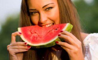 10 alimentos anti-idade que você deve incluir na sua dieta