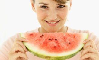 Fique de olho nas calorias das frutas