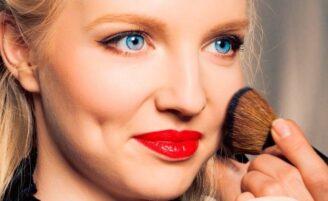 Como aplicar o blush: dicas e regras essenciais para valorizar seu make