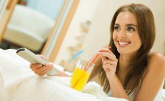 10 coisas para fazer sozinha em casa no sábado à noite