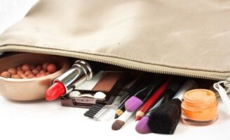 Coisas que toda mulher deve carregar na nécessaire