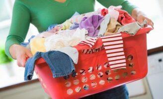 Como diminuir a quantidade de roupa para lavar
