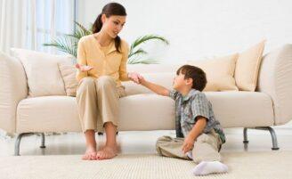 Comunicação entre mãe e filhos na infância