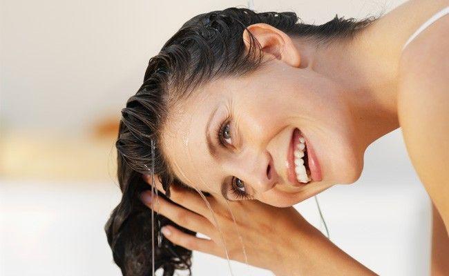 cuidados cabelos banho de mar piscina Cabelos bonitos após um banho de mar ou piscina