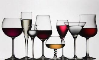 Conheça o tipo de taça ideal para cada bebida