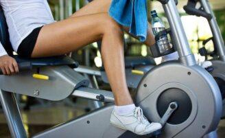 Higiene nos aparelhos de academia protege a saúde