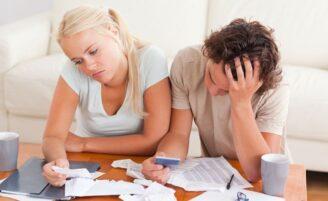 Mentiras sobre dinheiro que podem destruir seu casamento