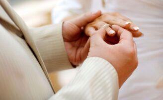 Como escolher aliança de casamento
