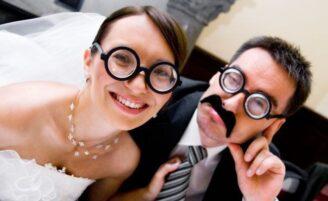 Dicas para tornar as fotos do seu casamento mais divertidas