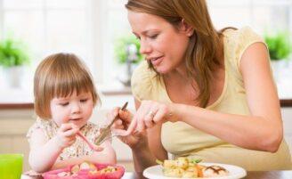 Como adicionar alimentos saudáveis no cardápio das crianças