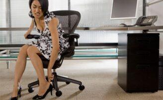 Conheça os danos que os saltos altos podem causar aos pés