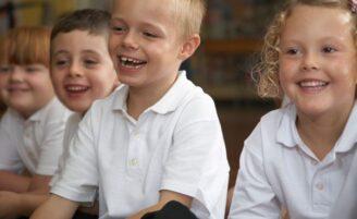 Dicas de limpeza e conservação dos uniformes escolares