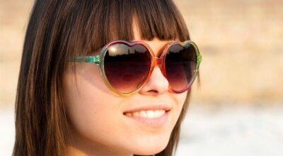 O modelo de óculos ideal para quem tem franja