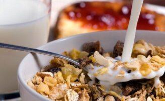 Benefícios do iogurte com granola