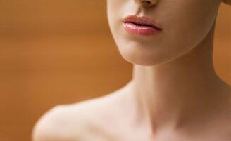 Evite a flacidez do pescoço