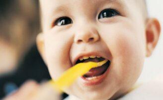 Cuide da saúde bucal do seu bebê