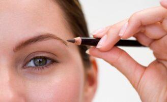 Diferentes maneiras de delinear as sobrancelhas