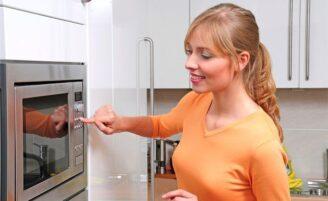 Mantenha seu forno micro-ondas limpo