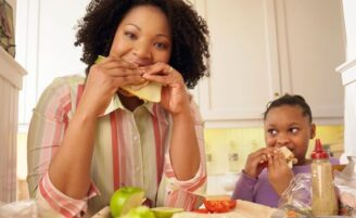 A prevenção da obesidade é reflexo do comportamento alimentar da família