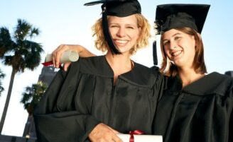 Conheça opções de financiamento e bolsas para curso superior