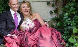 Fuja do branco: vestidos de noiva em outras cores