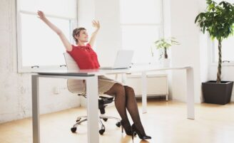 Use a linguagem corporal a seu favor no trabalho
