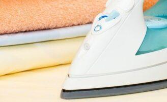 4 dicas de cuidados e limpeza do ferro de passar roupas
