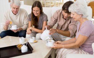 Como se comportar ao conhecer a família do namorado