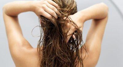 Esfoliação do couro cabeludo ajuda no crescimento do cabelo