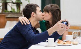 Regras de etiqueta para namorar em público