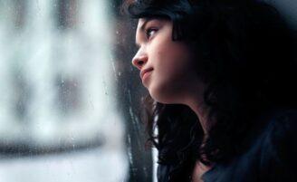 5 atitudes que te mantêm solteira