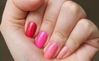 5 esmaltes para usar durante o Outubro Rosa