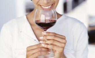 Por que o vinho tinto faz bem para a saúde?