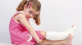 Como lidar com as fraturas infantis