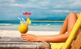 As melhores e as piores bebidas para consumir no verão