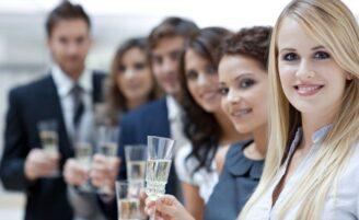 Fuja das gafes nas festas de confraternização da empresa