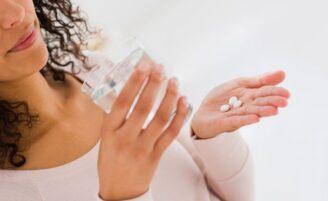 Perigos de misturar anticoncepcional com outros medicamentos