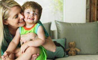 A importância do carinho na criação dos filhos